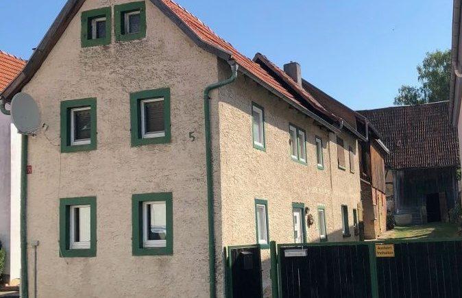 Schnuckeliges Haus Mit Scheune Und Obstbaumwiese Ehi Immobilien